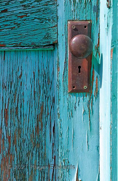 Aqua Door (abandoned building)